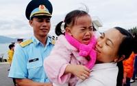 Những bức ảnh đẹp của gia đình Việt hướng về biển đảo Tổ quốc