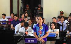 """Gia đình bị hại vụ xét xử BS Hoàng Công Lương: """"Có y bác sĩ không ăn không nghỉ, vừa cấp cứu vừa khóc"""""""