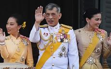 Cuộc cạnh tranh giữa hoàng hậu và hoàng quý phi bên cạnh nhà vua Thái