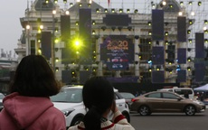 Vạn người đang đổ về trung tâm Thủ đô đón chào lễ hội đếm ngược chào năm mới 2020
