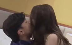 Quỳnh Nga: 'Rất căng thẳng khi diễn cảnh cưỡng hôn Quốc Trường'