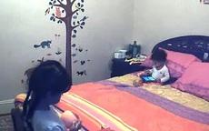 Trẻ sợ ở nhà vì bố mẹ lắp camera theo dõi