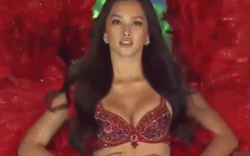"""Sau khi bị soi body lộ cả loạt khuyết điểm, Tiểu Vy diện bikini khoe dáng trong đêm thi Hoa hậu Việt Nam 2020, khuôn ngực """"đồ sộ"""" gây chú ý"""