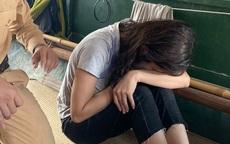 Hà Nội: Cứu cô gái trẻ gieo mình xuống sông Hồng tự tử