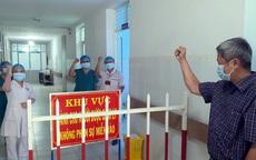 Thứ trưởng Nguyễn Trường Sơn cùng nhân viên y tế Quảng Ngãi quyết tâm chiến thắng COVID-19