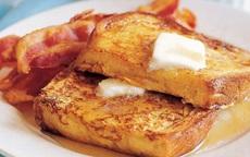 """Bánh mỳ - trứng thì ai cũng biết nhưng làm theo kiểu này sẽ ngon gấp bội: Chỉ 10 phút """"múa chảo"""" là chị em sẽ xong ngay bữa sáng!"""