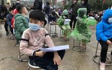 Gần 1.200 học sinh trường Tiểu học Xuân Phương được lấy mẫu xét nghiệm COVID-19