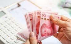 Rút gần 20 tỉ tiền mặt để trả đũa ngân hàng