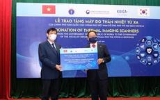 Việt Nam tiếp nhận 40 máy đo thân nhiệt từ xa do Hàn Quốc hỗ trợ
