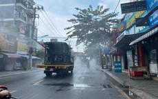 TP.HCM: Binh chủng hóa học phun khử khuẩn nhiều tuyến đường ở quận Gò Vấp