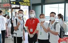 """Sinh viên ĐH Y Dược Thái Nguyên """"xuống tóc"""" vào TP HCM chi viện chống dịch"""