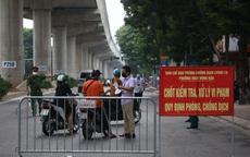 Đòi qua chốt để giao hàng không được đáp ứng, người đàn ông ở Hà Nội đấm vào mặt trưởng chốt kiểm soát dịch