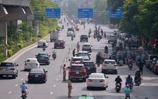 Hình ảnh các tổ liên ngành ở Hà Nội kiểm soát nghiêm ngặt người ra đường sau giờ cao điểm đi làm