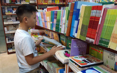 Đề nghị sách giáo khoa là mặt hàng thiết yếu để vận chuyển đến nhà trường, học sinh
