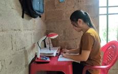 Nữ sinh nghèo có nguy cơ bỏ dở ước mơ vào giảng đường đại học