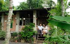 Chồng đưa cả gia đình về quê, dựng nhà, giúp vợ chữa ung thư