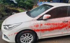 Khó hiểu loạt xe ô tô bị tạt sơn đỏ trong Khu đô thị ở Hà Nội