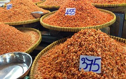 Kinh sợ cá, mực khô được bảo quản bằng thuốc diệt kiến