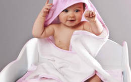 Tắm cho trẻ con thế nào trong trời rét buốt?