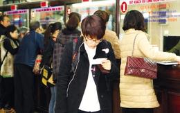 Mua vé tàu Tết tại Hà Nội: Nhân viên bị phạt nếu để khách chờ 30 phút