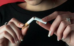Tăng thuế thật cao để hạn chế người hút thuốc lá