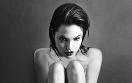 Ảnh khỏa thân của Angelina Jolie được rao bán