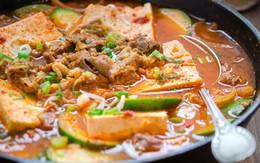Canh thịt bò nấu đậu phụ và bí ngồi