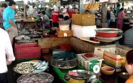 Xăng tăng, giá hàng hóa tăng, người đi chợ toát mồ hôi