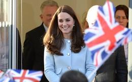 Em của Hoàng tử bé nước Anh rất hiếu động