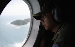 Nỗ lực tìm kiếm máy bay QZ8501 bất chấp mọi điều kiện thời tiết