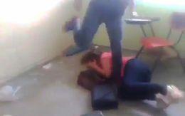 Cô giáo bị đánh ghen ngay trong lớp học