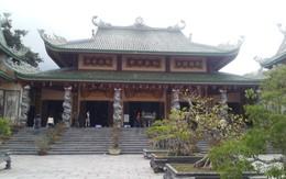 Sư thầy hướng dẫn chi tiết cách hành lễ khi đến ngôi chùa nổi tiếng nhất miền Trung
