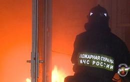 Cha ôm con nhảy từ tầng 7 thoát khỏi hỏa hoạn