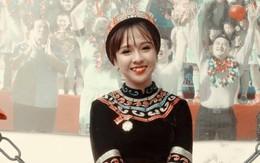 Ngất ngây với vẻ đẹp dịu dàng, tươi tắn của cô gái trẻ trong lễ diễu binh