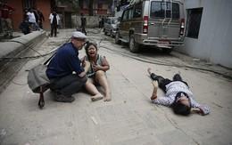 Những hình ảnh thương tâm trong trận động đất Nepal
