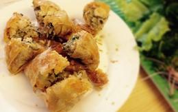 Ăn thử bánh xèo tôm nhảy khu Thành Công