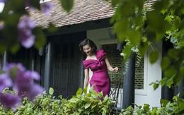 Thanh Mai thư giãn trong vườn nhà xanh mướt