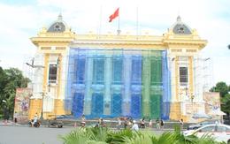 """Hình ảnh Nhà hát lớn Hà Nội được """"trả lại"""" màu sơn cũ"""