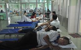 Hàng chục người nhập viện cấp cứu vì ăn bánh mì