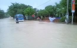 Ngập lụt chưa từng thấy ở Hạ Long: Sạt lở đá, giao thông hỗn loạn