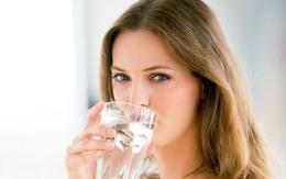 Những sai lầm nghiêm trọng khi uống nước cần loại bỏ