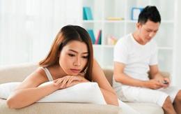 Chết lặng phát hiện chồng nhắn tin thề non hẹn biển với bạn thời niên thiếu