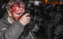 Những phóng viên đã phải liều mạng như thế nào để có được những bức ảnh giá trị?