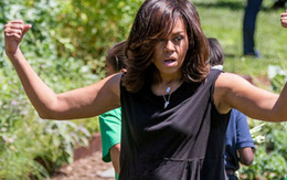 Phu nhân Tổng thống Mỹ 'khoe' cơ bắp khi thu hoạch rau