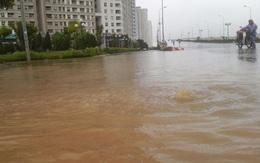"""Hà Nội: Sau mưa lớn, chung cư Dương Nội lại thành... """"ốc đảo"""""""