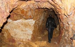 Đã có thông tin chính thức vụ 'Bí thư huyện đào hầm rượu xuyên núi'