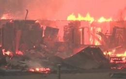Gần 1.600 ngôi nhà cháy rụi trong biển lửa ởCanada