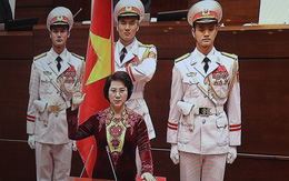 Nữ Chủ tịch Quốc hội đầu tiên của Việt Nam tuyên thệ nhậm chức