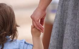 Có được nhận con nuôi nếu giấu thông tin cá nhân người nhận?