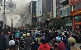 Vụ cháy lớn trên phố Trần Thái Tông, Hà Nội: Nhiều người dân vô tình cản trở công tác chữa cháy, cứu nạn